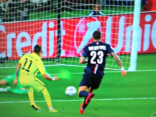 Neymar faz gol no PSG 1 a 0