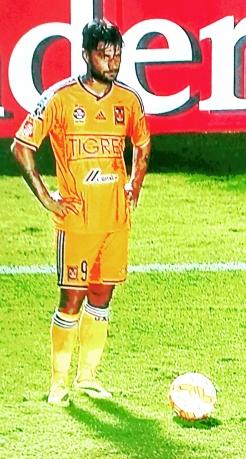 Sóbis: gol e assistência classificam o Tigres