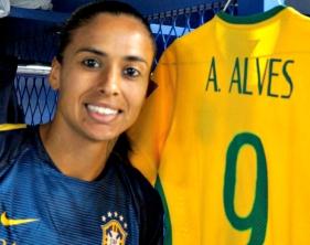 Andressa Alves: a força do contra-ataque - Foto: CBF