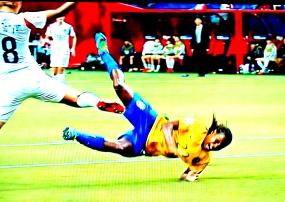 Formiga fez gol e sofreu pênalti