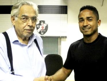 Eurico e Jorge Henrique: pesando em títulos - Foto: Carlos Gregório Jr./Vasco.com.br