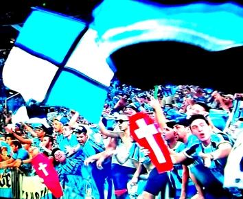 Torcida do Grêmio festeja goleada e retorno triunfal ao G-4