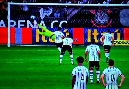 Corinthians 4 x 3 Sport: só se fala no pênalti