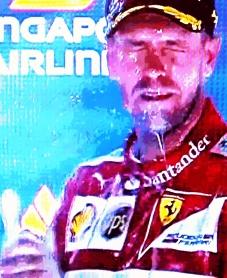 Vettel: pela 42ª vez, banho de champanhe