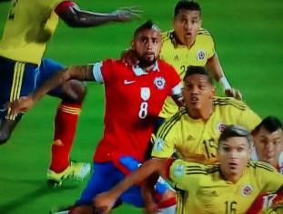 Vidal fez 1 a 0, mas Chile deixou James Rodríguez empatar
